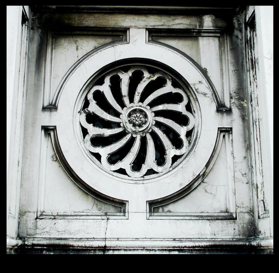 Venice Spirals by kiwibananes