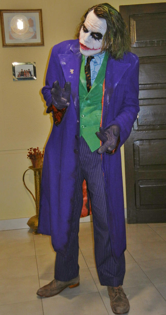 Joker Heath Ledger Cosplay by AlexWorks