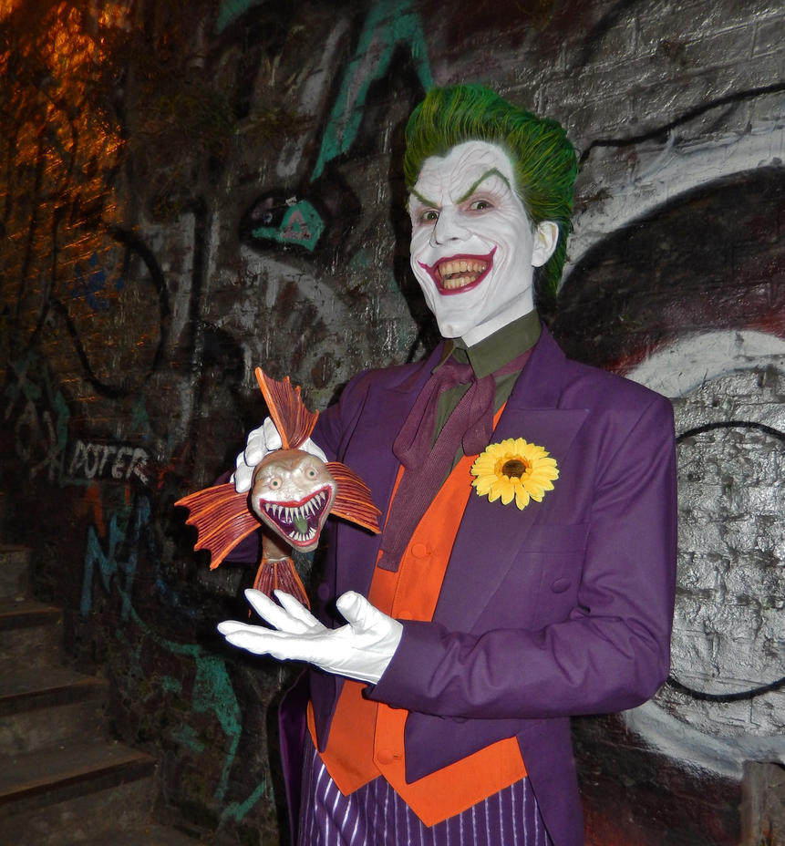 Joker Sideshow 1/6 Cosplay 2 by AlexWorks