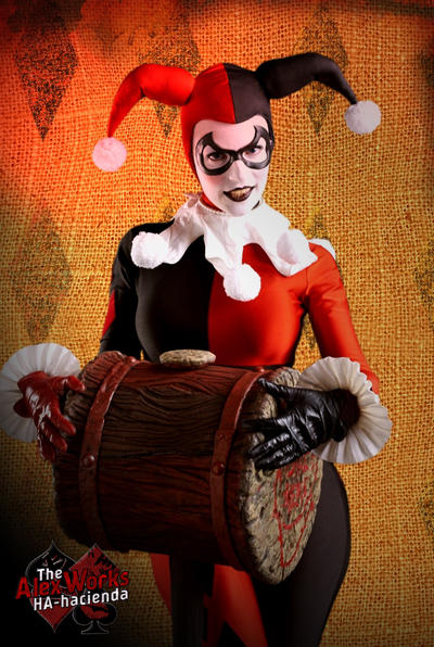 Harley Quinn Sideshow 1/6 Cosplay 2 by AlexWorks