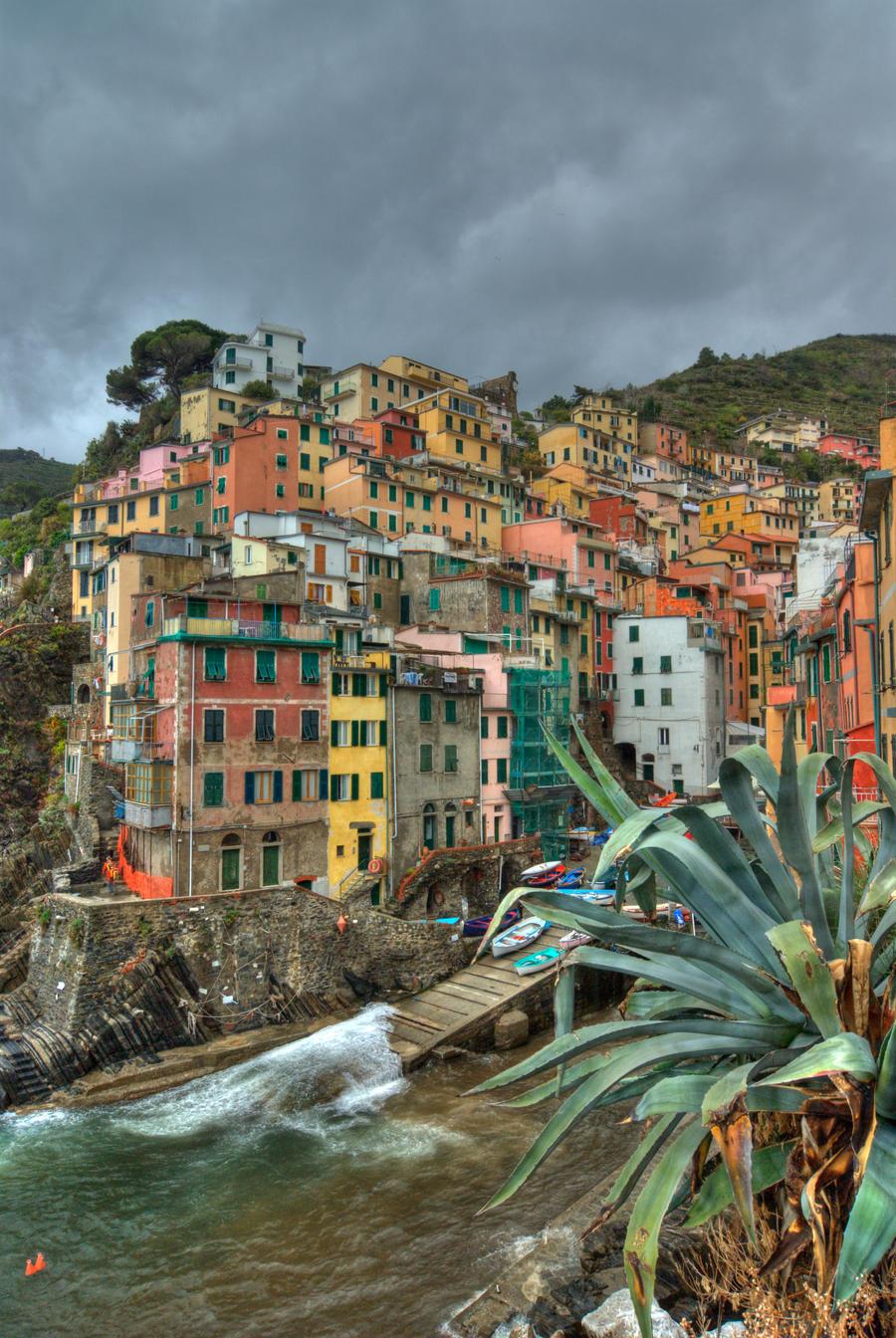 Riomaggiore (Italy) by Bibidef