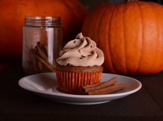 Pumpkin and cinnamon cupcake by K-milla