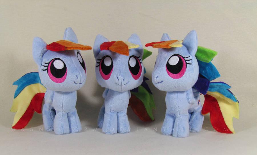 Triple chibi Dash by MagnaStorm
