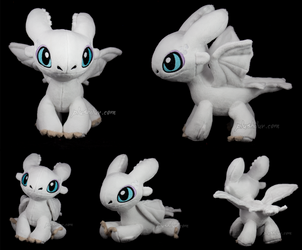 chibi Light Fury (pre-orders open!) by MagnaStorm