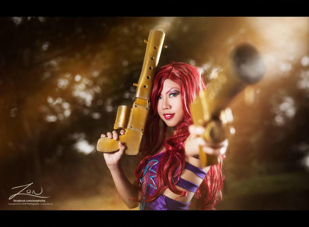 ''Guns blazin'.'' - Miss Fortune by SweetSix