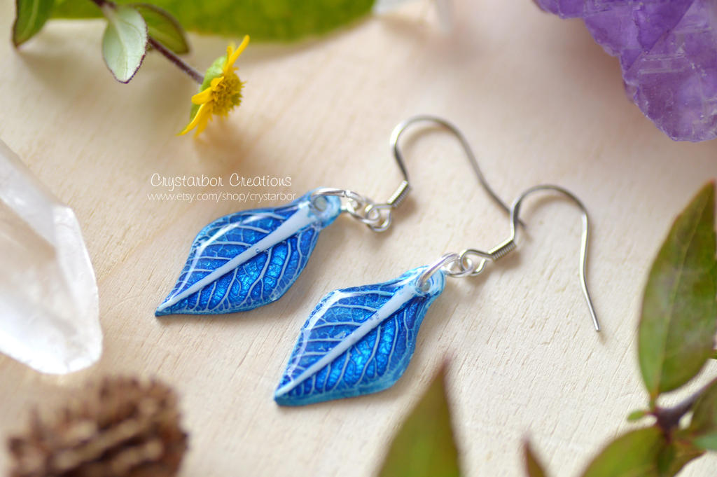 Fantasy Leaf earrings (polymer clay-resin) by Crystarbor