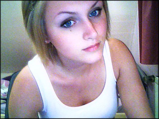 blonde girl webcam