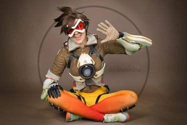 Tracer from Overwatch by ShiSha-Rainbow