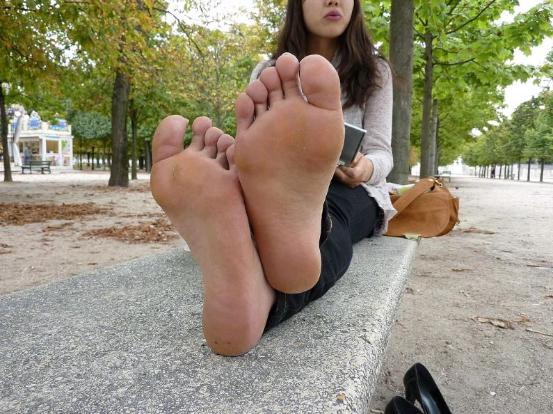 "beautiful feet photo 17 в""– 9868"