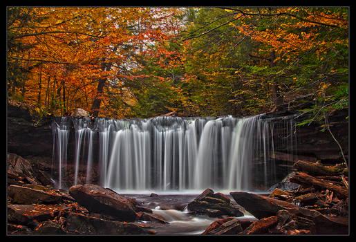 Fall at the Oneida Falls