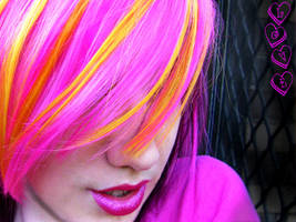 Candy pink hair by littlehippy