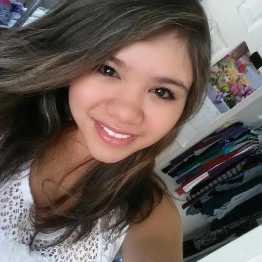 Yes she smiles by zadrfreak912