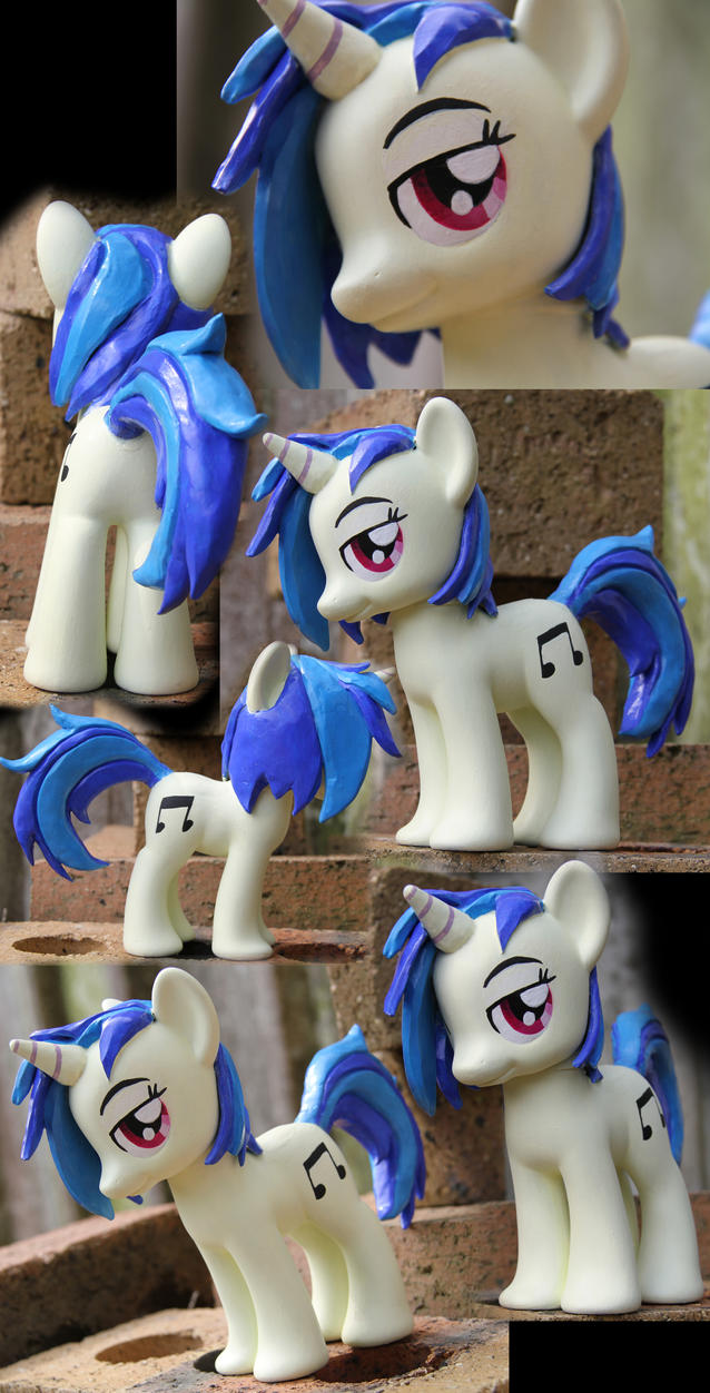 SOLD: Vinyl Scratch - Fashion Style Custom by Nazegoreng