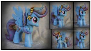 Trade: Crystal Rainbow Dash Custom