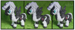 Commission: Magpie OC Custom Plush by Nazegoreng