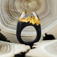 OKTIE Black gold wooden resin ring by OKTIEAccessories