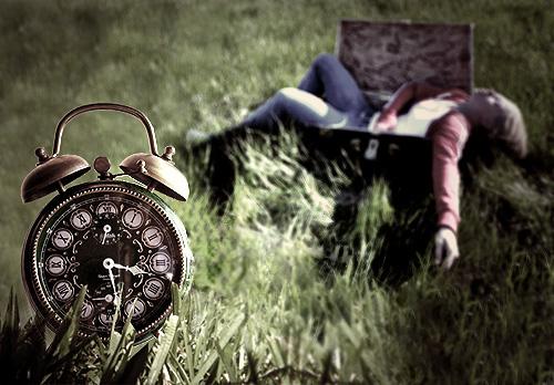 wake-up call. by bigcitydreams