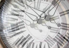 fading clock by depthdweller