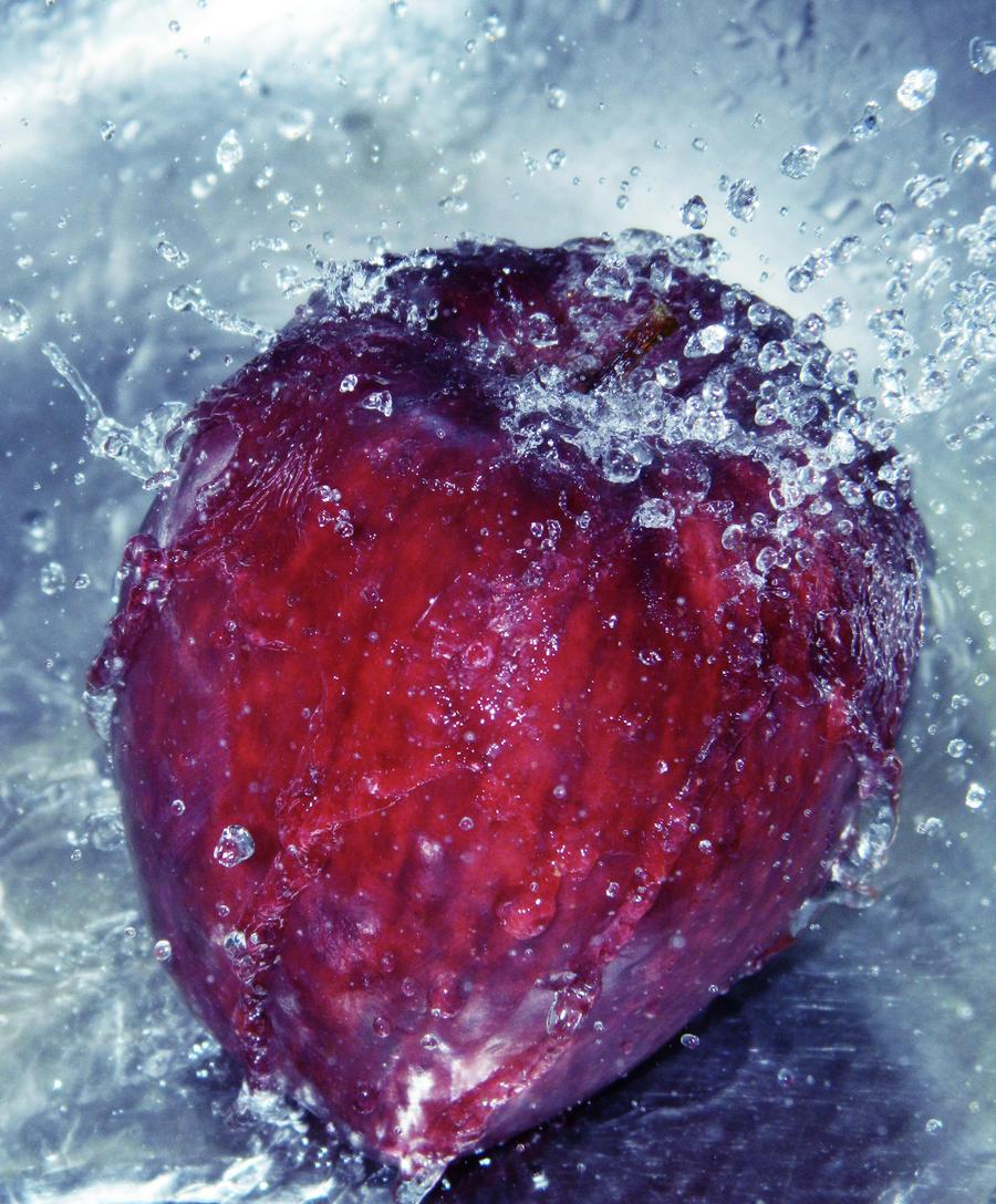 Hailing Apple by Hunter-Arkaman