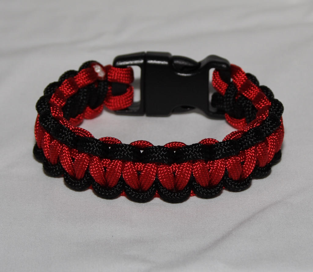 Red and black paracord bracelet by superdave007 on deviantart for Paracord wallpaper