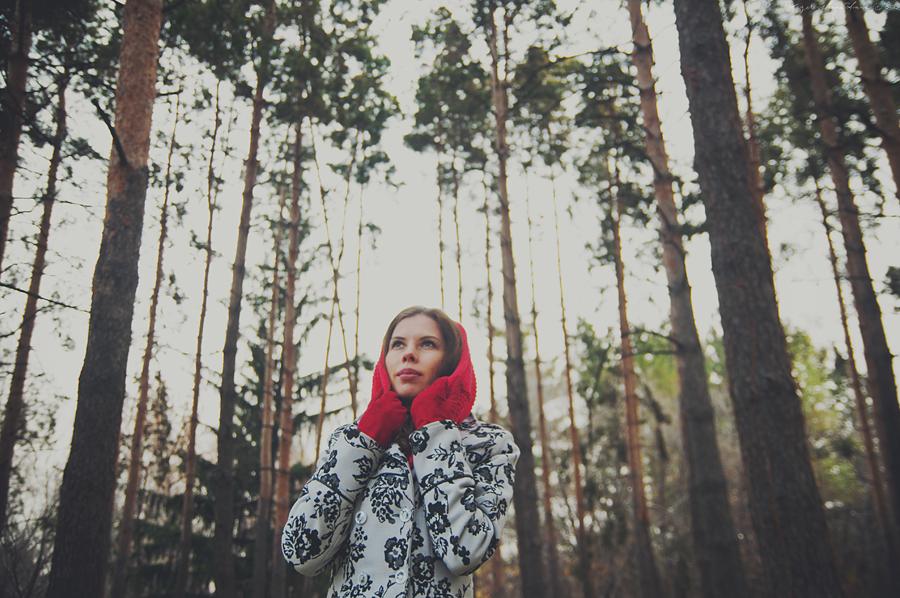 red hat by AnnaBelleKz
