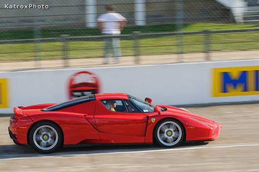 Ferrari Enzo racing
