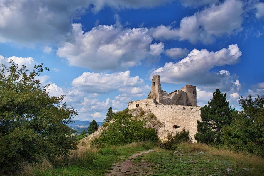 Cachtice castle by hadeeldar
