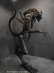 The Real Size Metal Alien2 by Kreatworks