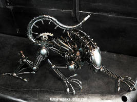 The Climbing Metal Alien by Kreatworks