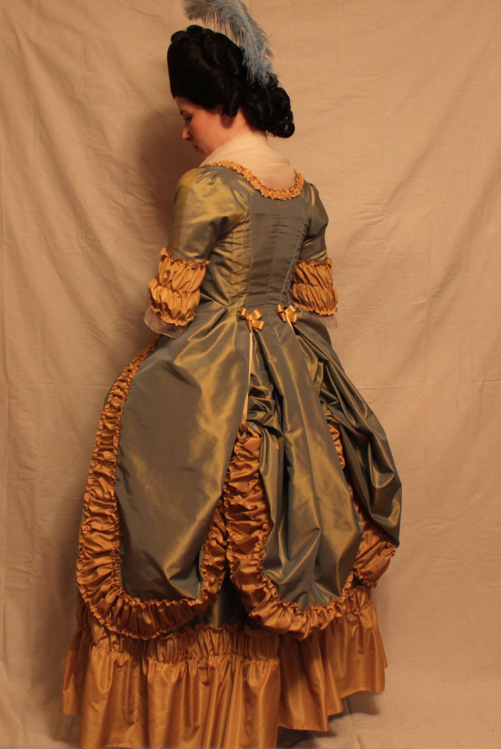 Robe a la Polonaise by ColeV