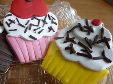 Banana and Strawberry Cupcakes
