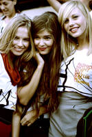 Fashion's night out girls 2 by mustafasoydan