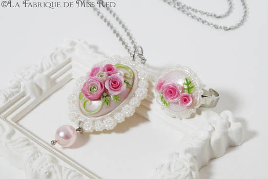 Roses cameo vintage style adornment
