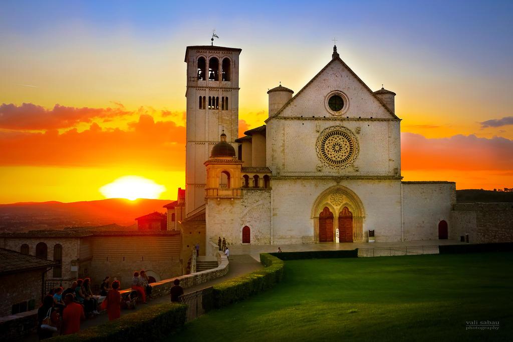 Basilica of San Francesco d'Assisi by valiunic