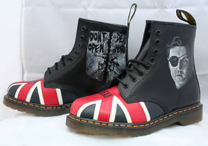 Walking Dead Dr Martens, Left side.