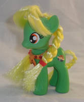 Brushable Young Granny Smith by Gryphyn-Bloodheart