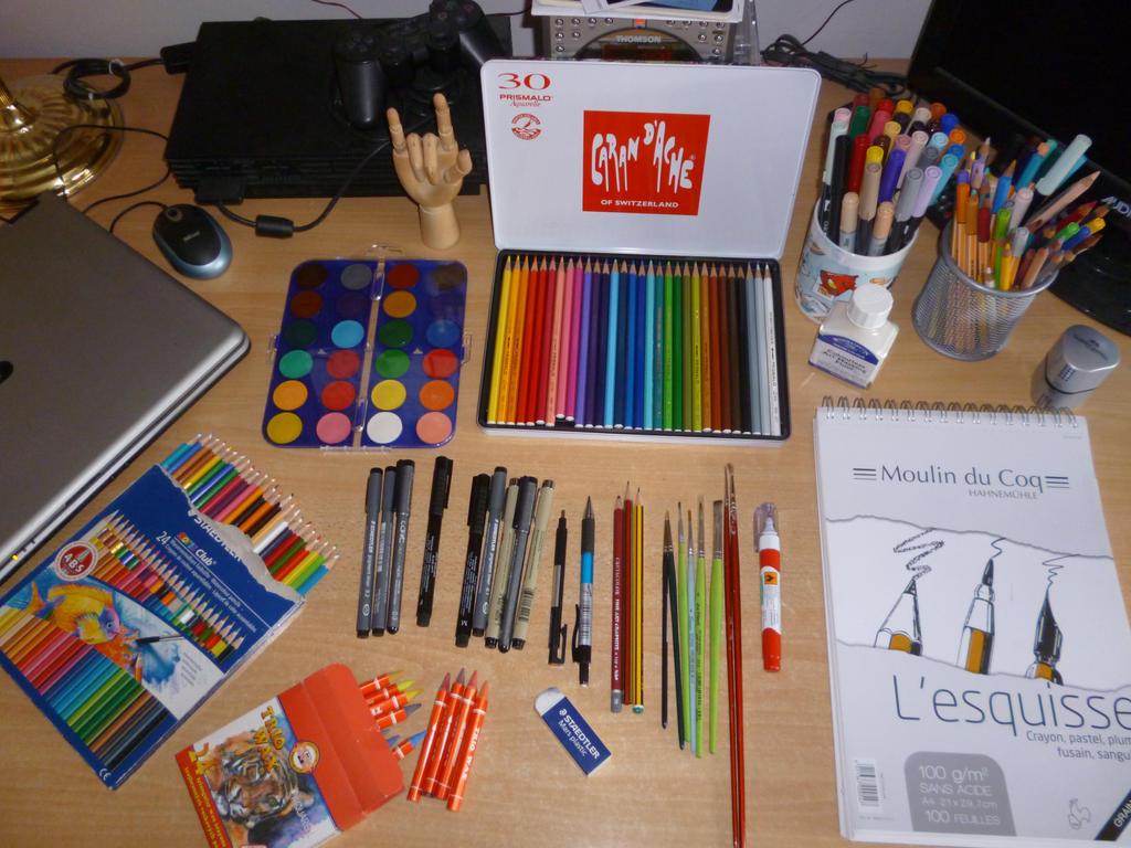 Some art supplies by Hanatsuki89 on DeviantArt