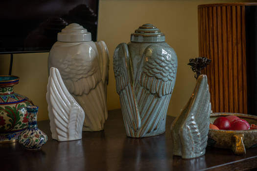 Cremation Art Urn for Ashes Wings