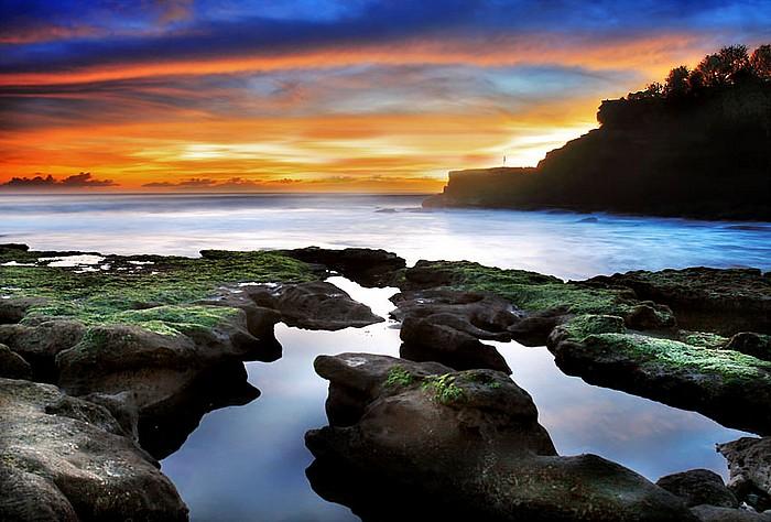 Tanah Lot, Bali by momoclax