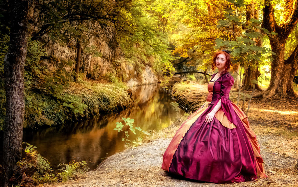 Ball gown's Perlasanguis_Amber light by Arts-of-Cendrayliss