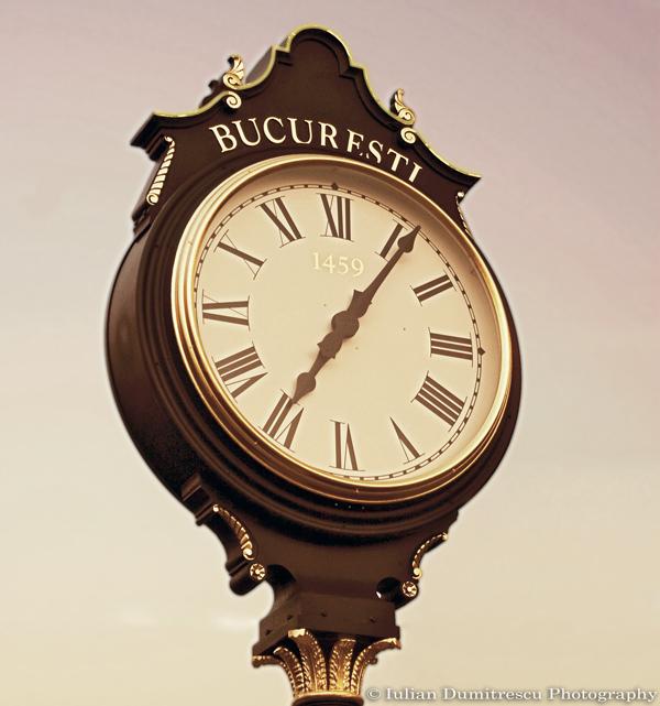 Golden Clock by ScorpionEntity