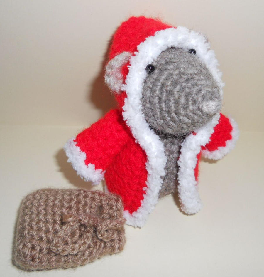 Christmas Mouse Amigurumi by sophiecat91 on deviantART