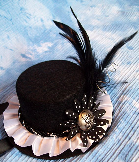SteamPunk hat with skull by ranmanekineko