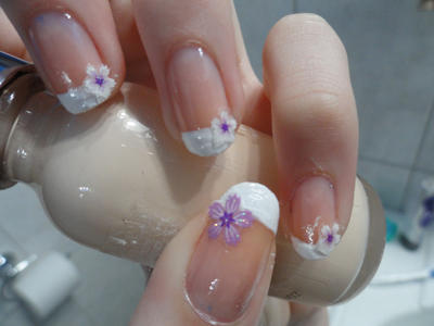 Flower manicure by TiredZombie98