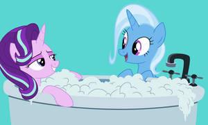 Trixie seeing her best friend Starlight in a bath