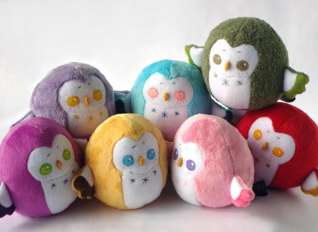 Rainbow Chubby Owls by Pwyllo