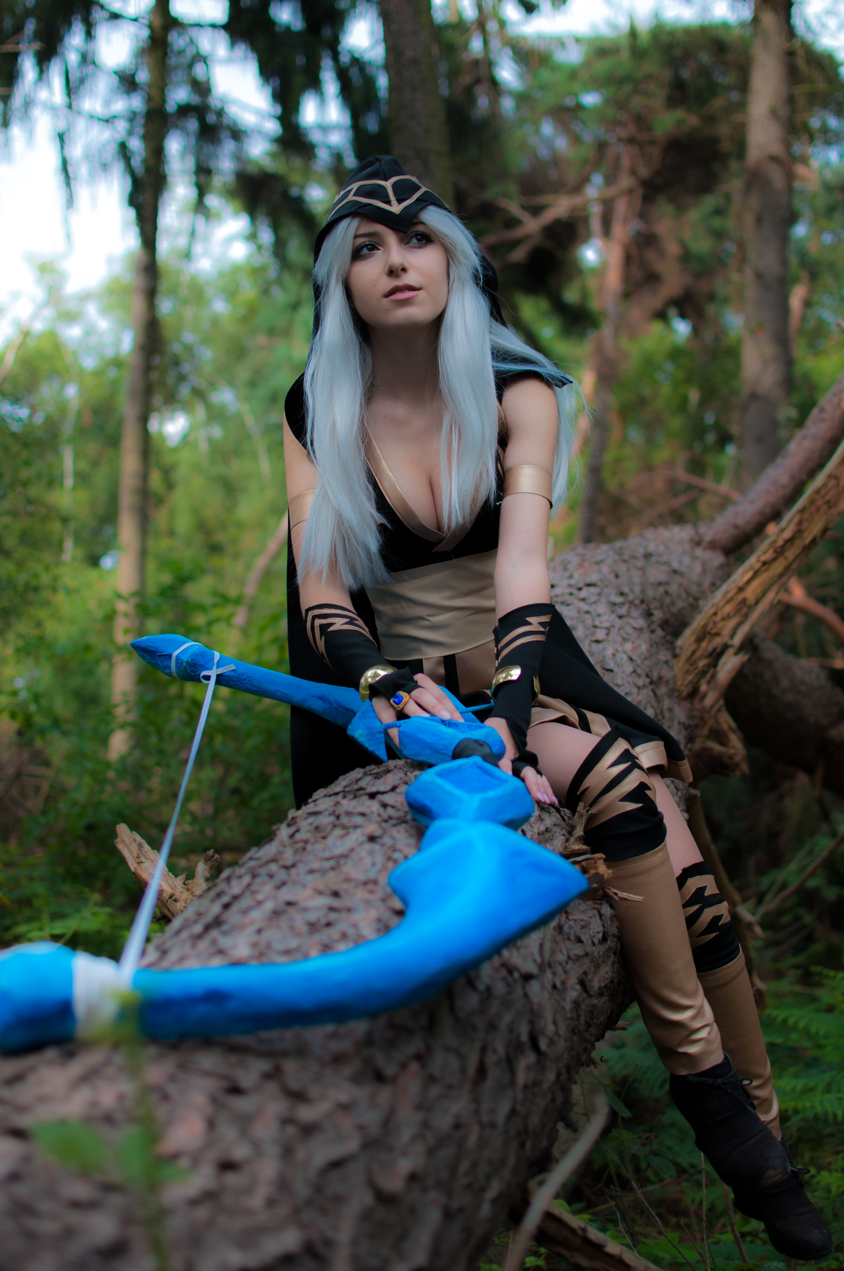 Ashe Cosplay - League of Legends by AnissaCosplay on