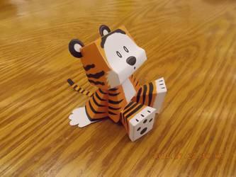 Hobbes Papercraft by DraikenTalkos