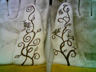 Glove Art 2.2 by Salquendor