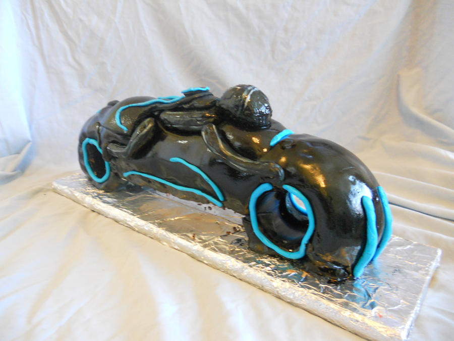 Trone Light-cycle Cake by katiesparrow1